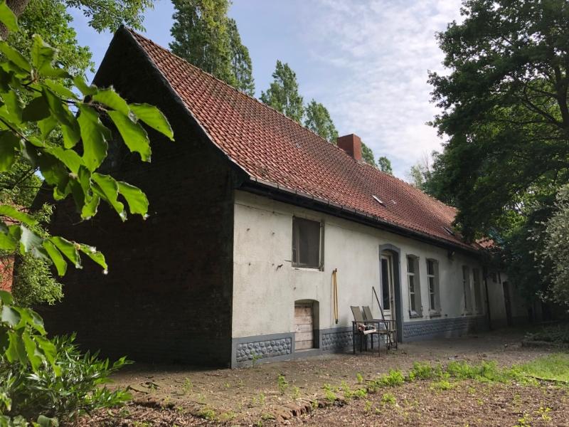 1861200